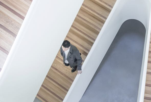 corporate-stairs-business-man-img-D