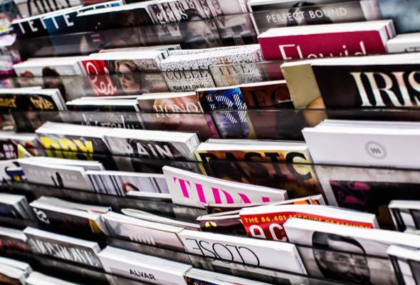 magazine-display-fashion-design-img-M
